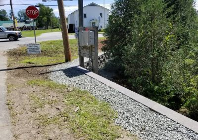 retaining wall maintaining integrity of driveway and holding up under a lot of traffic